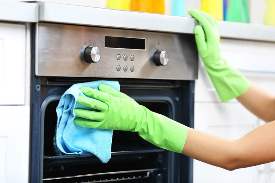 how-to-keep-ceramic-cooktops-and-oven-clean